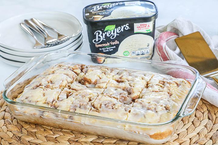 Breyers Cinnamon Roll Cake_Header